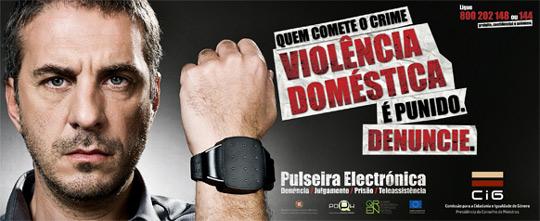 Quem comete o crime violência doméstica é punido. Denuncie