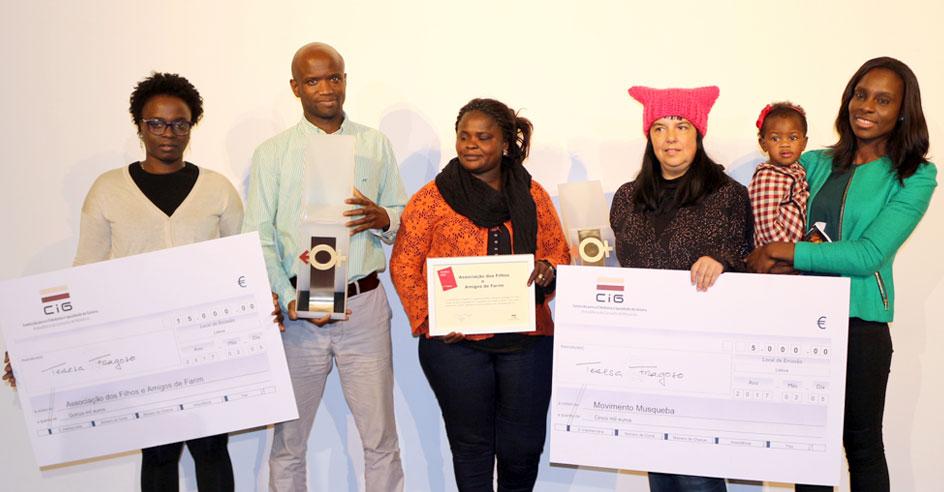 Representantes das associações vencedoras desta edição do Prémio Contra a Mutilação Genital Feminina – Mudar aGora o Futuro