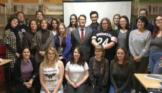 Estudantes australianas/os visitam a CIG