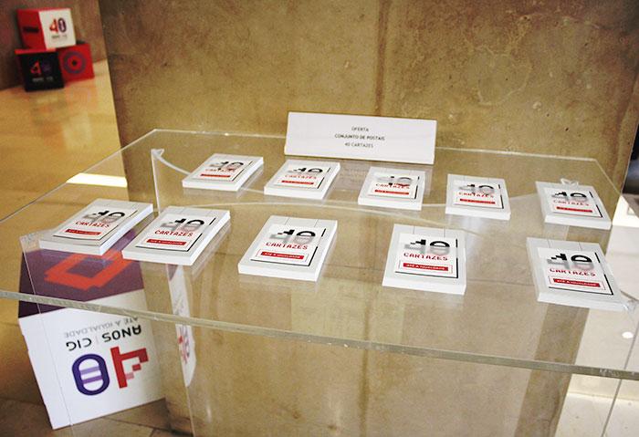 """Exposição """"40 anos. 40 cartazes"""" (8 mar., Lisboa)"""
