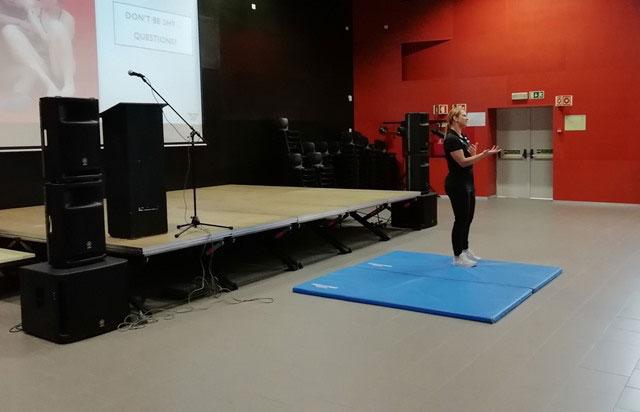 Embaixada do Canadá acolhe a visita da campeã olímpica de luta livre Erica Wiebe
