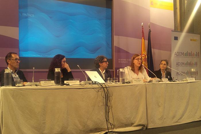 """João Paiva, Chefe de Equipa do N-CIG, moderou a mesa sobre """"Diversidade e inclusão LGBT nos sectores publico e privado"""""""